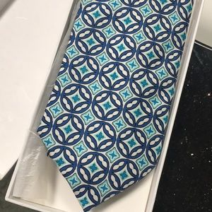 Never been used Vera Bradley Baekgaard silk tie